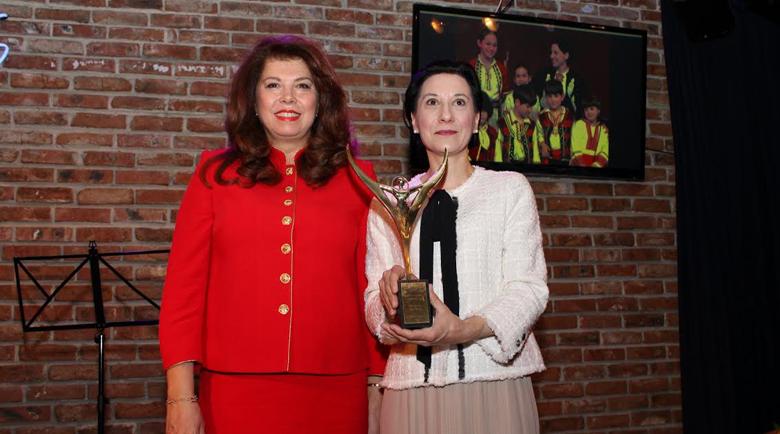 Ваня Велкова с вицепрезидента Илияна Йотова